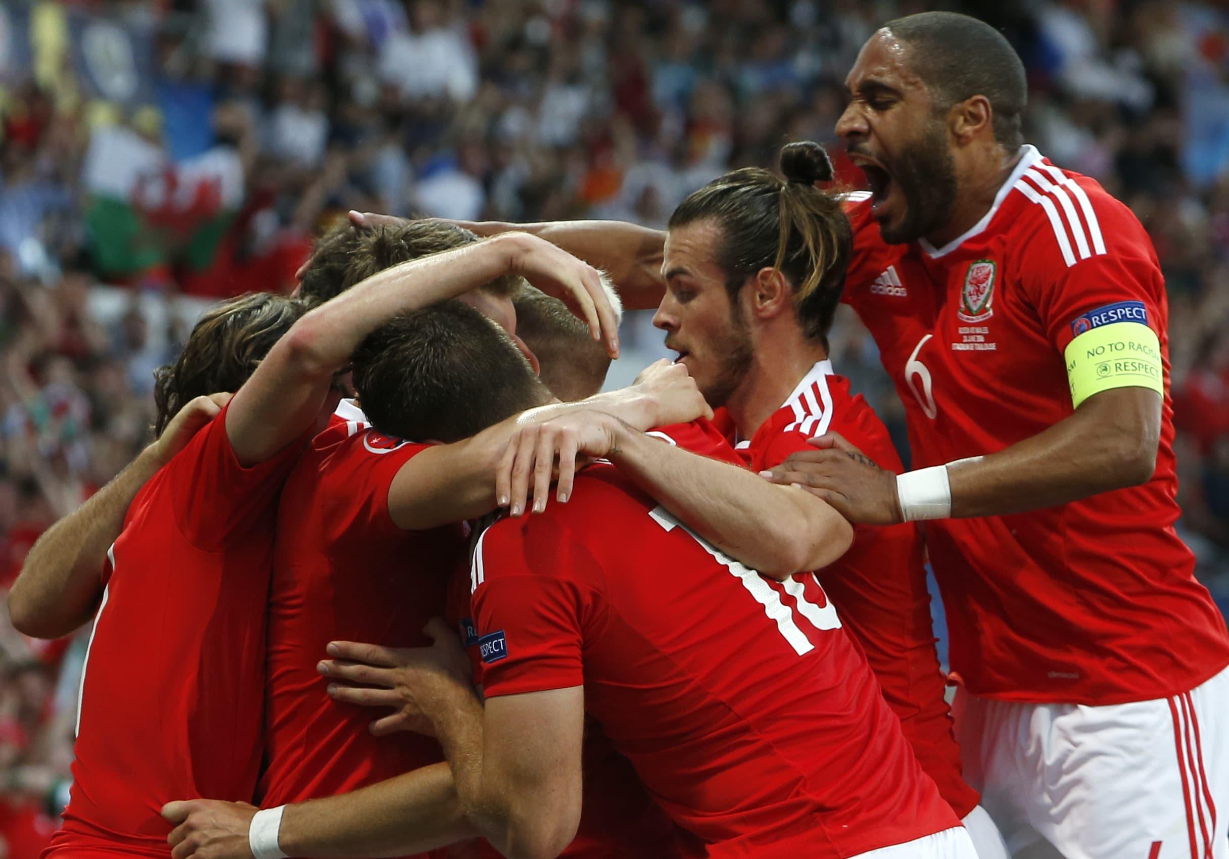 Wales juhlii