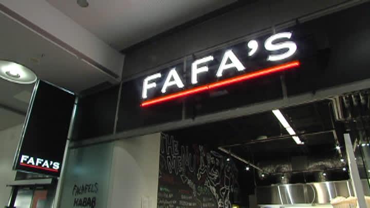 Fafa's -ravintolakyltti.