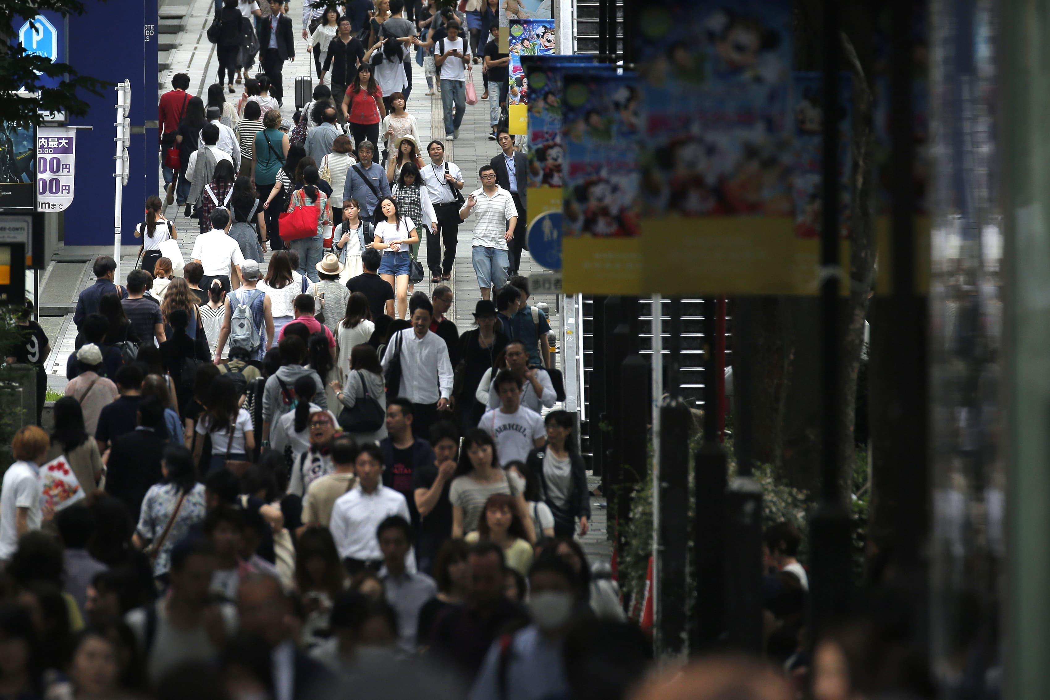 Jalankulkijoita Tokiossa