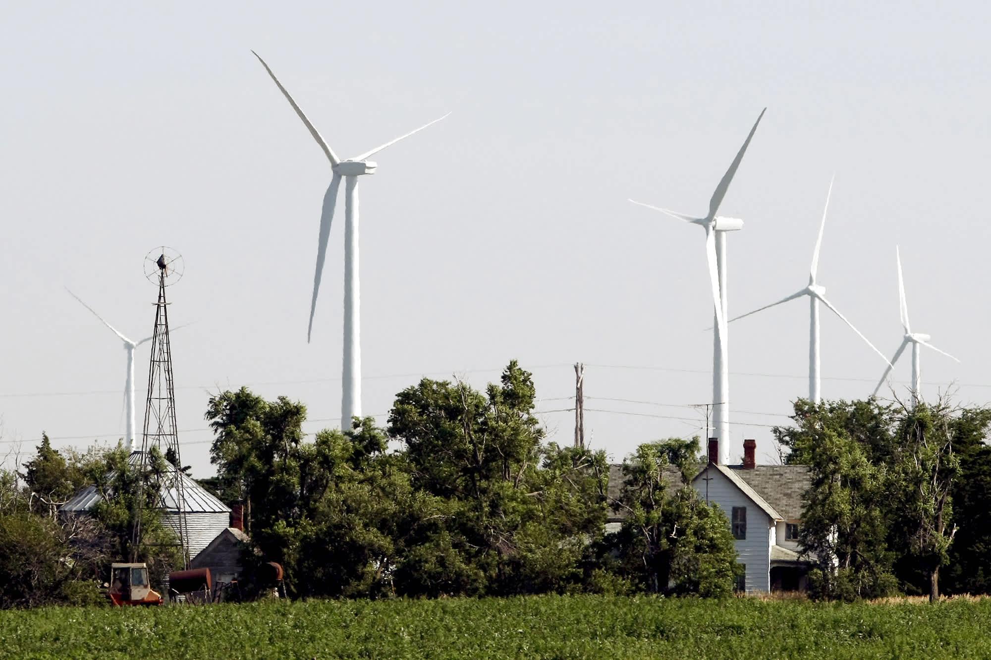 Tuulivoimaloita Kansasissa.