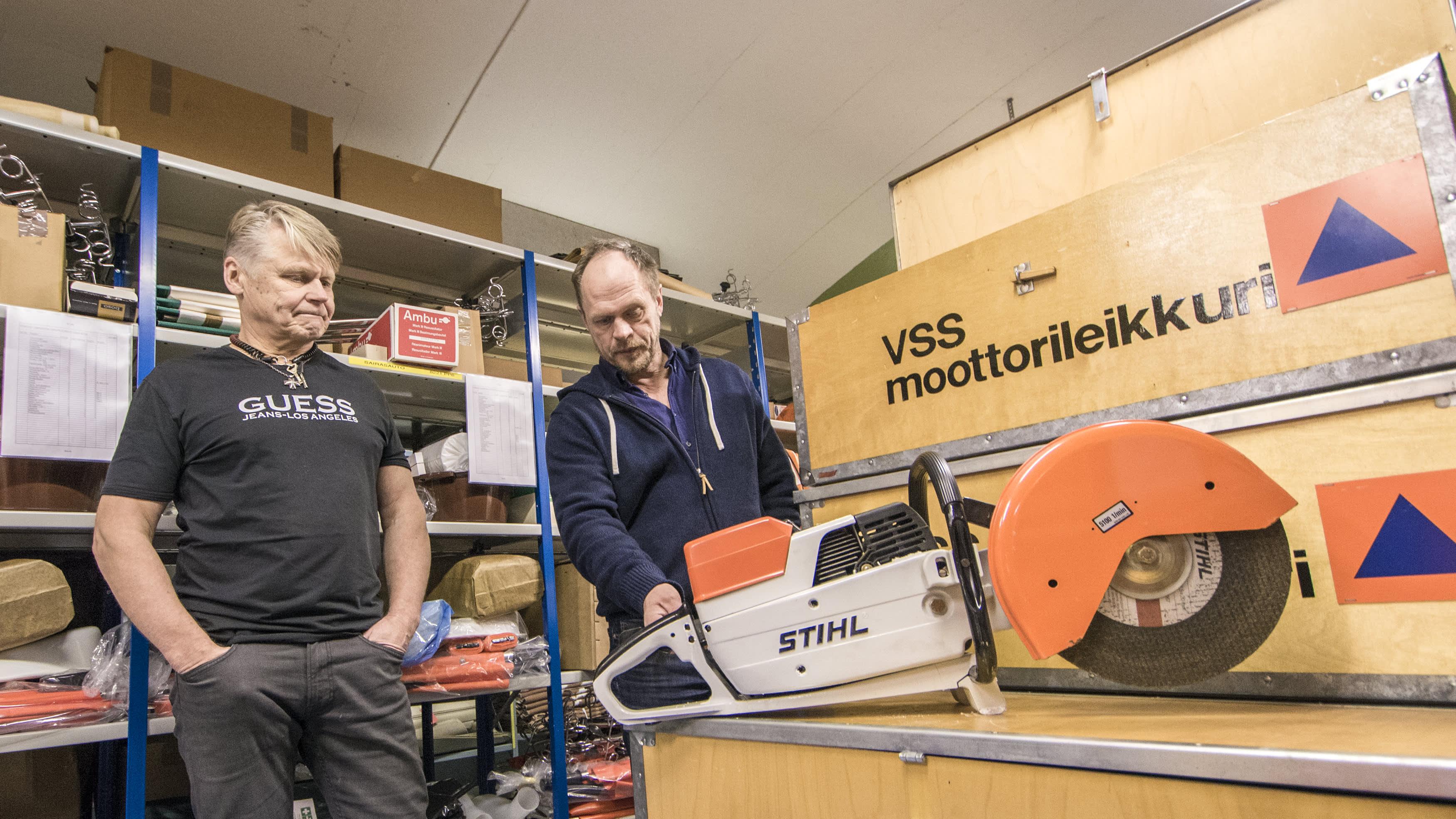 väestönsuojatarvikehuutokauppa kuopio vss-varasto katastrofi valmistautuminen selviytyminen Mikko Korhonen ja Seppo Hiekkala