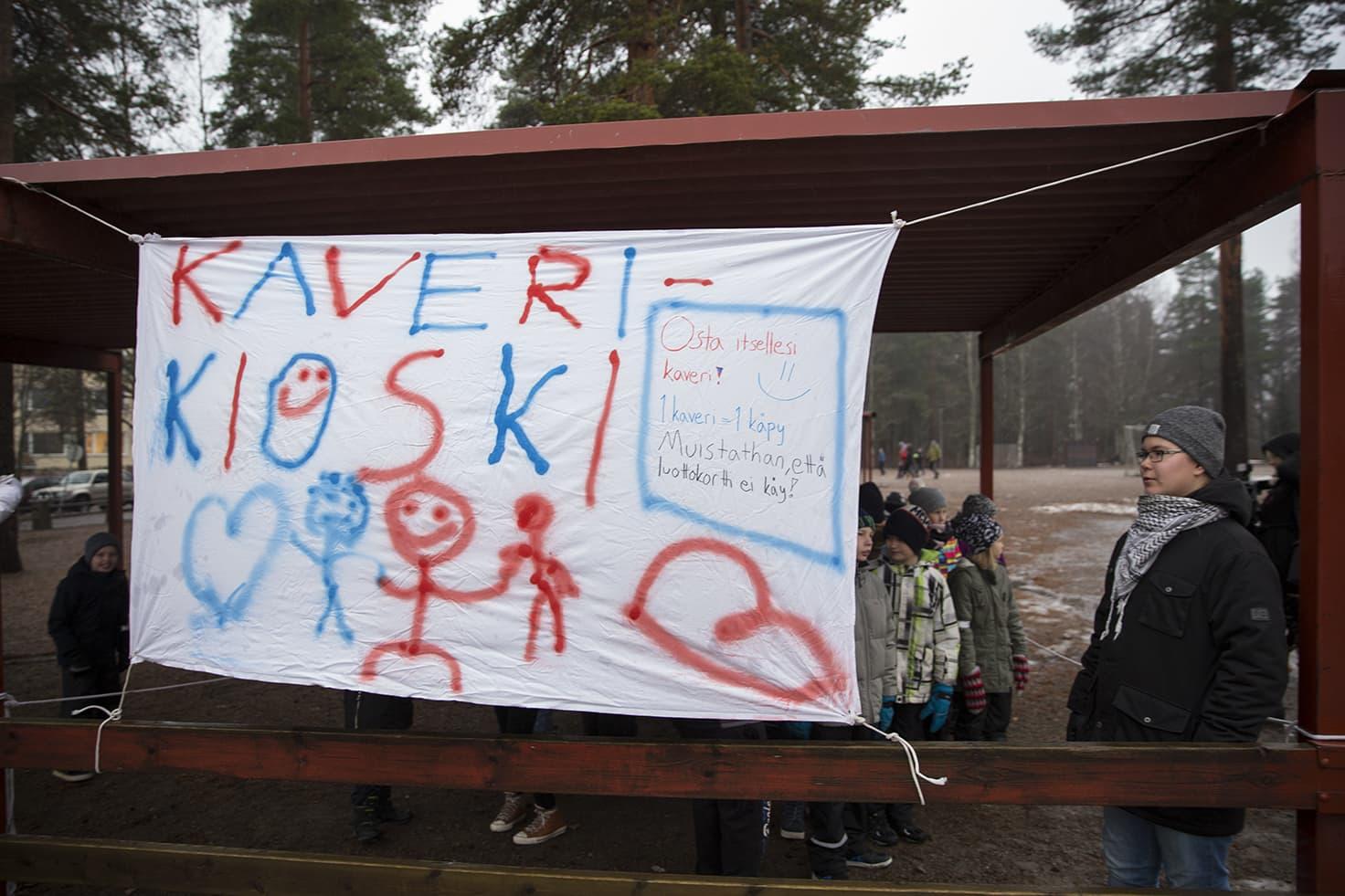 Kaverikioski on osoittautunut tarpeelliseksi Äänekosken yhtenäiskoululla.
