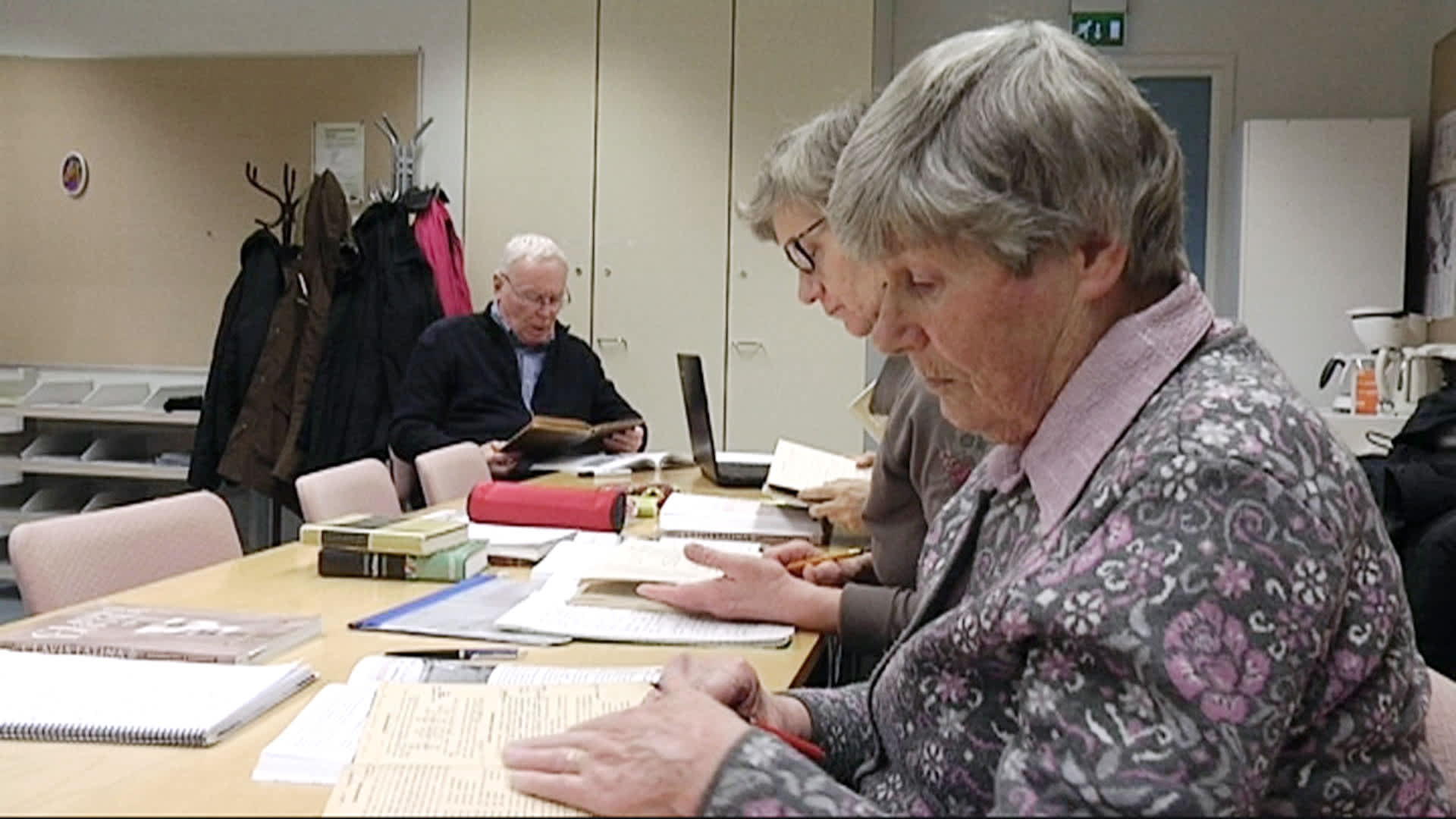83-vuotias Maija Sarakontu tähtää kahden muun itsenäisesti opiskelevan kanssa kevään ylioppilaskokeisiin.