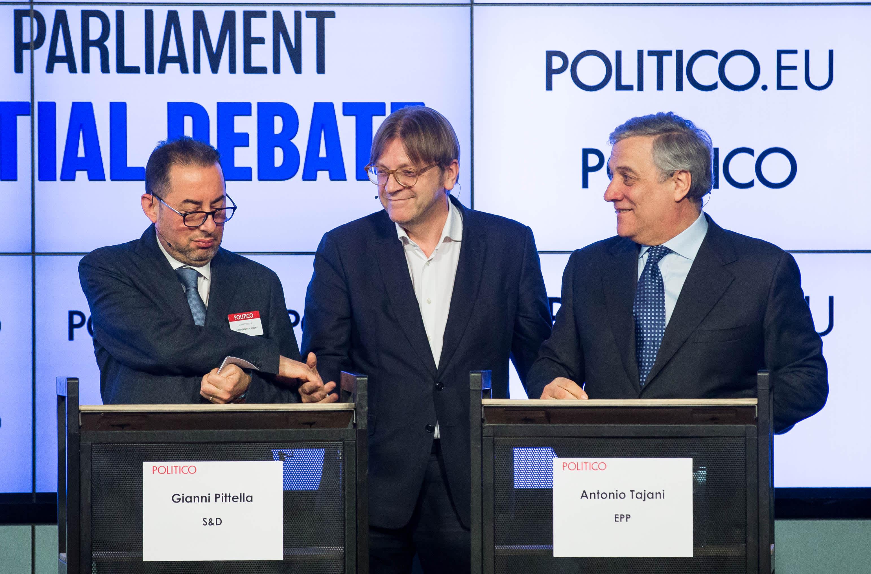 Gianni Pittella, Guy Verhofstadt ja Antonio Tajani osallistuivat puhemiesehdokkaiden väittelyyn Brysselissä 11. tammikuuta.