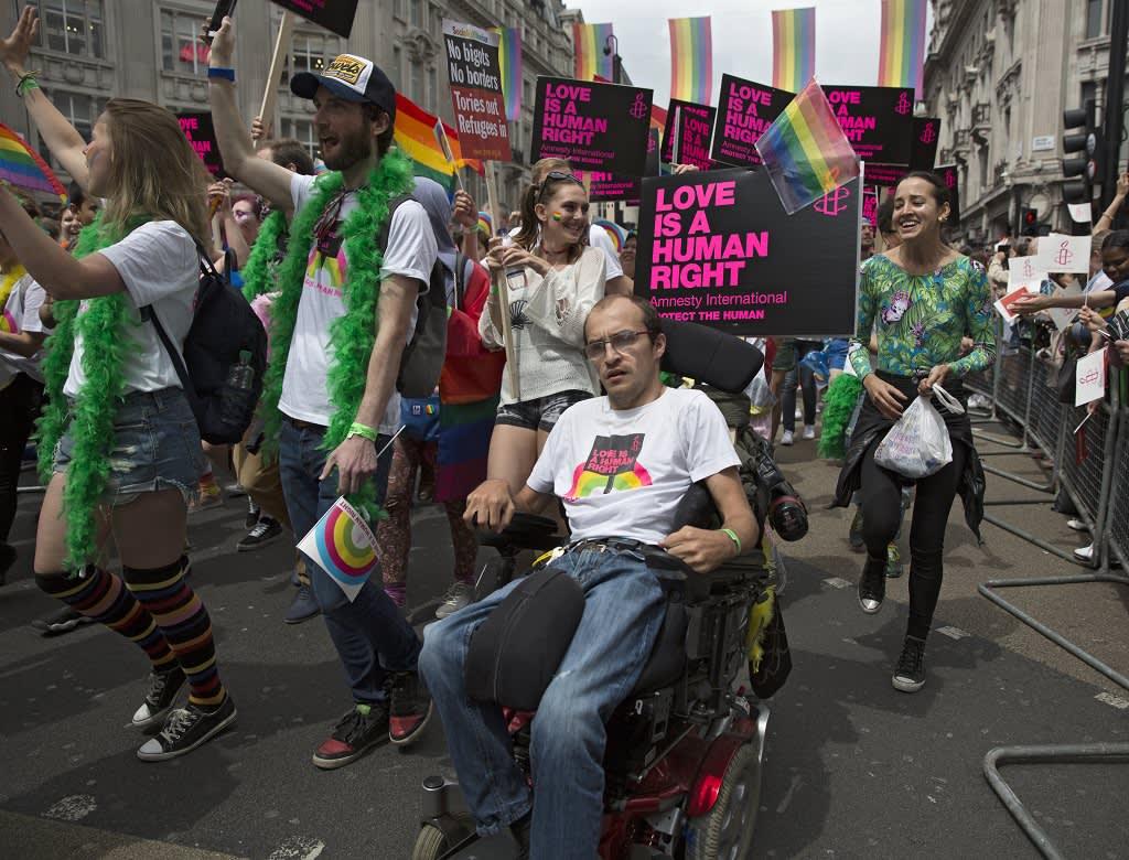 Seksuaali- ja sukupuolivähemmistöjen Pride-kulkue Lontoossa kesäkuussa 2016.