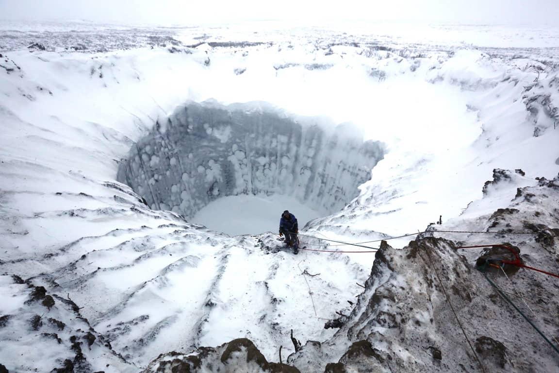 Jäätynyt kraateri.