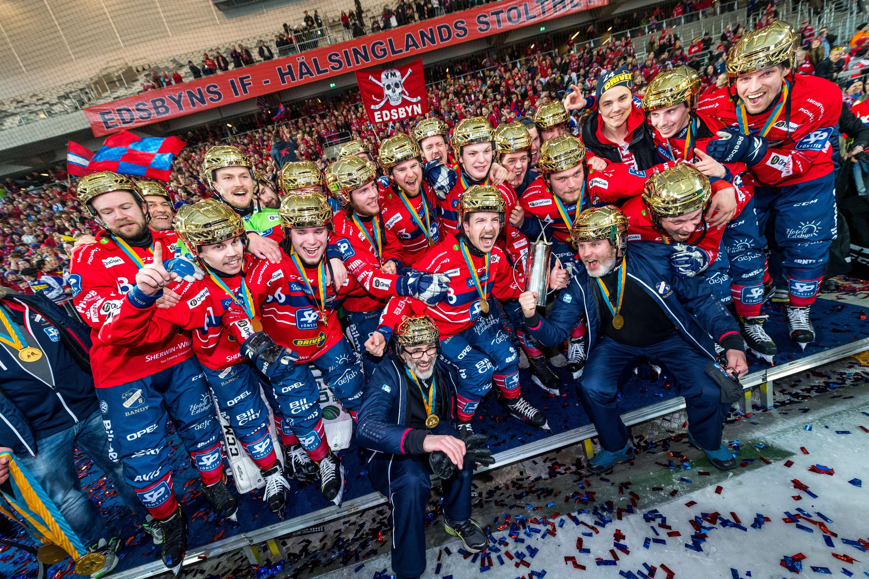 Edsbyns IF voitti Ruotsin jääpallomestaruuden.