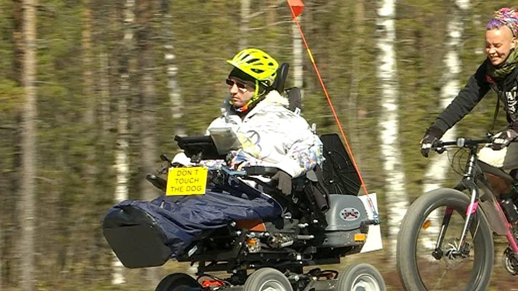 Ville Jaaranto matkalla Lissaboniin pyörätuolillaan