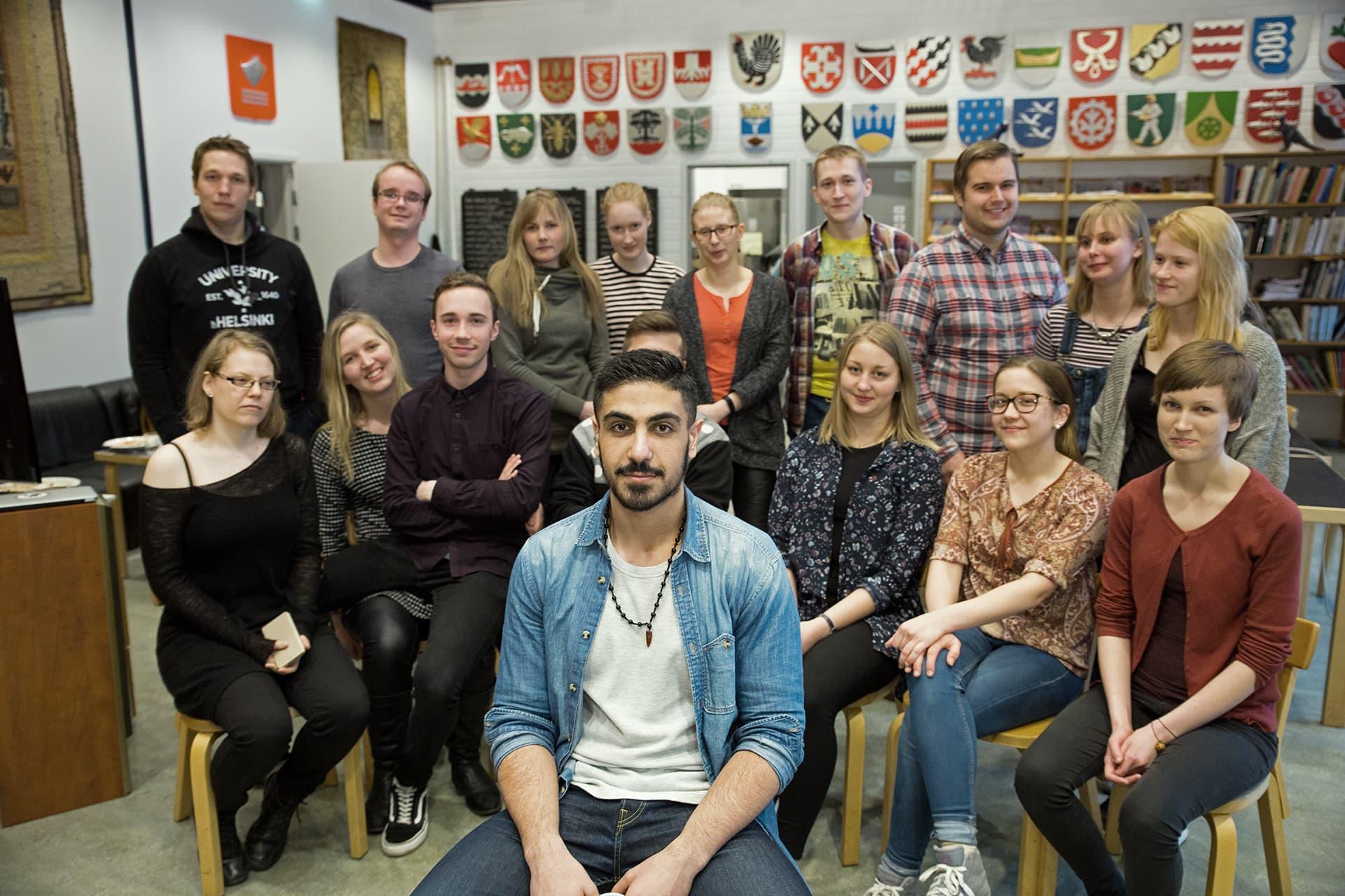 Helsingin yliopiston opiskelijoita keskisuomalaisen osakunnan kerhotilassa.