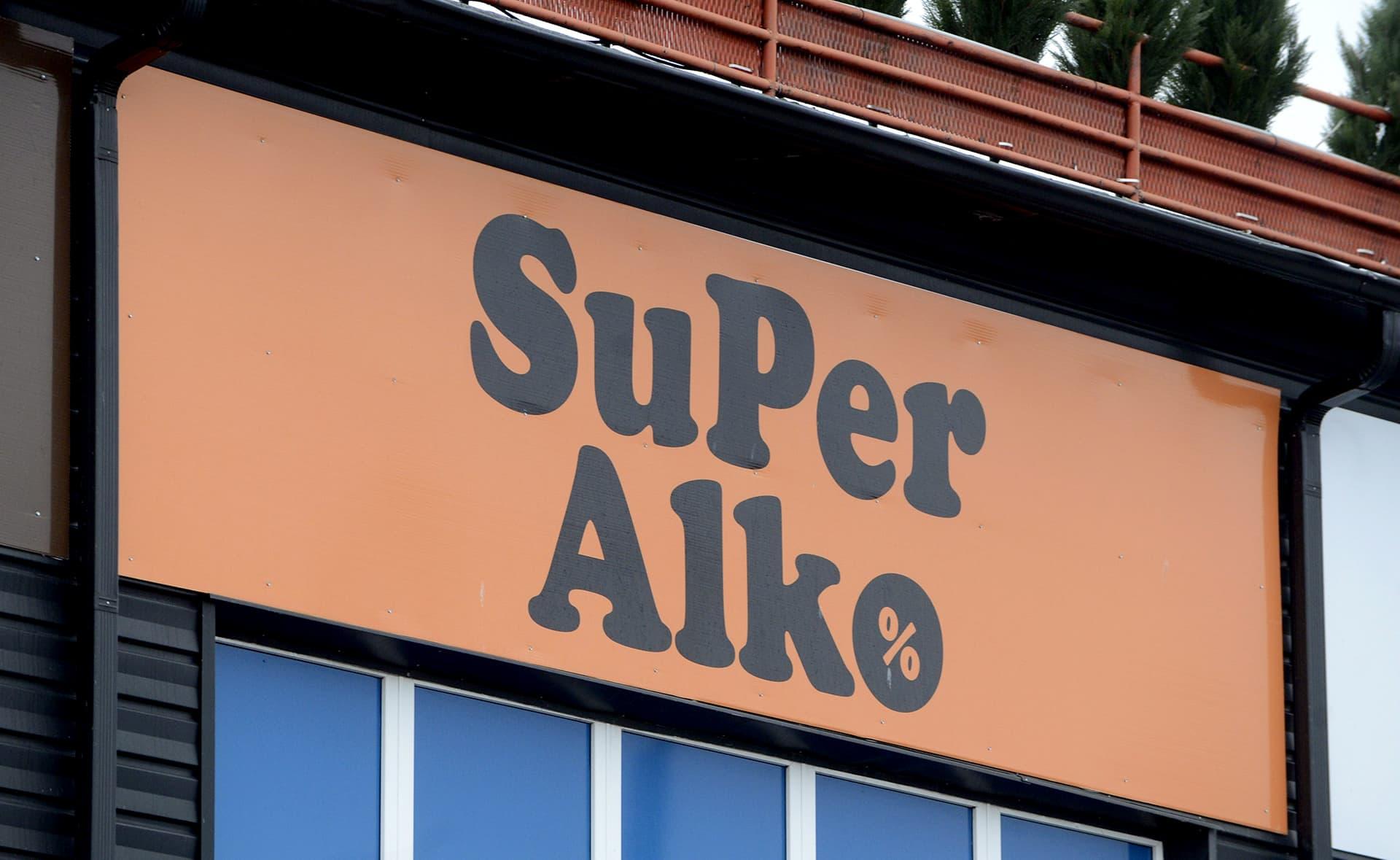 Alkoholimyymälä SuperAlko Tallinnassa