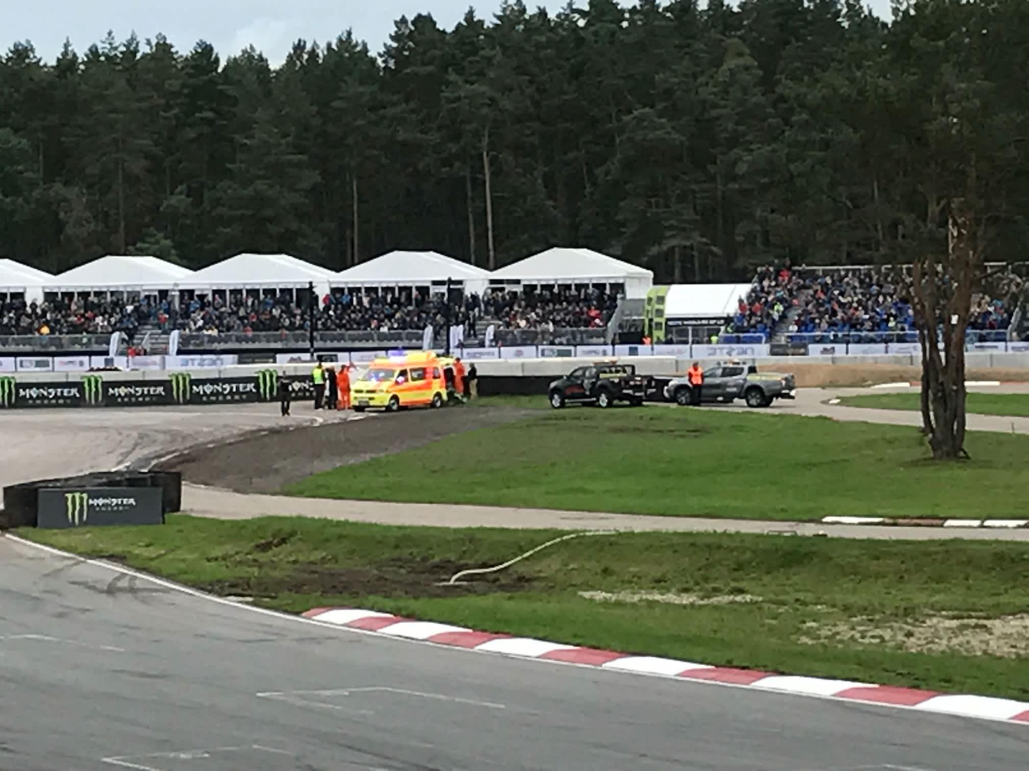Erikoinen tapaus. Petter Solberg loukkaantui vakavasti rallicrossin MM-sarjan Latvian-osakilpailussa.