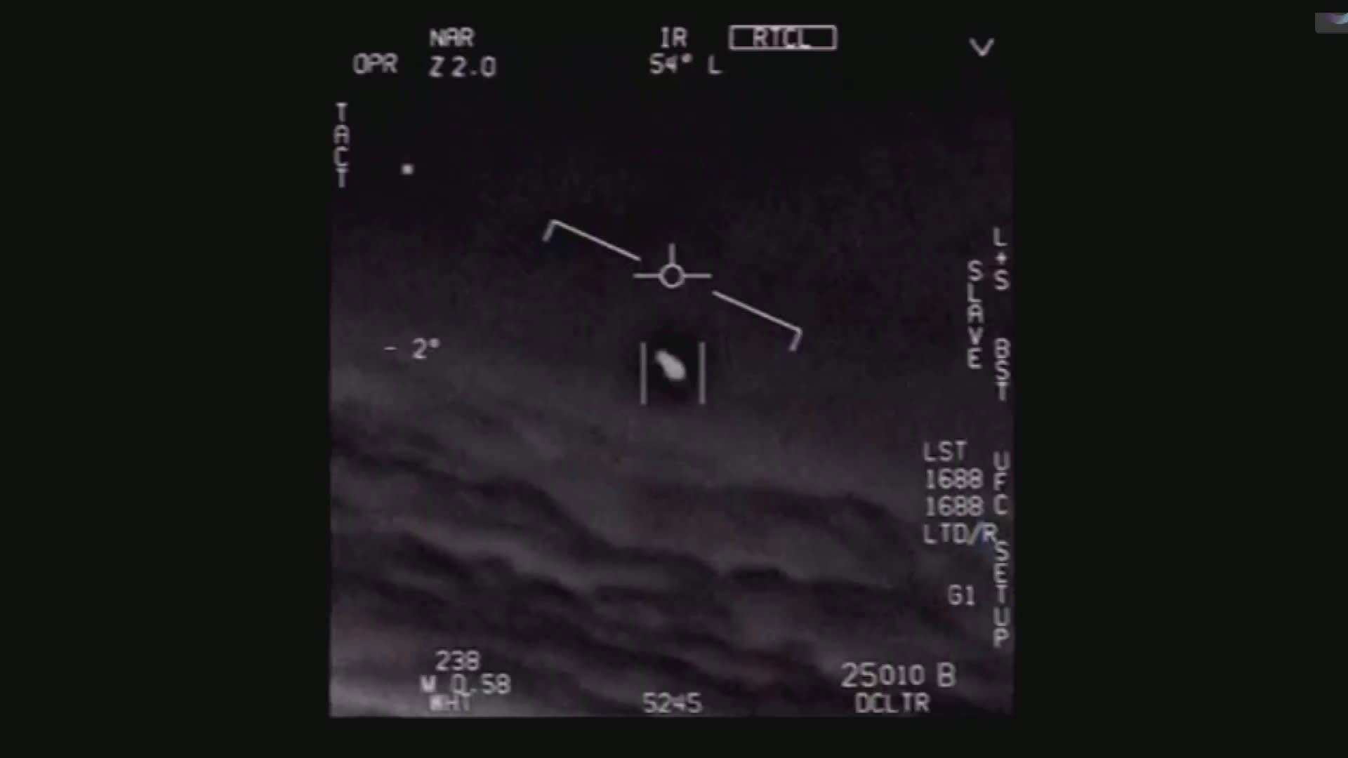 Yhdysvaltain laivaston julkaisema ufovideo