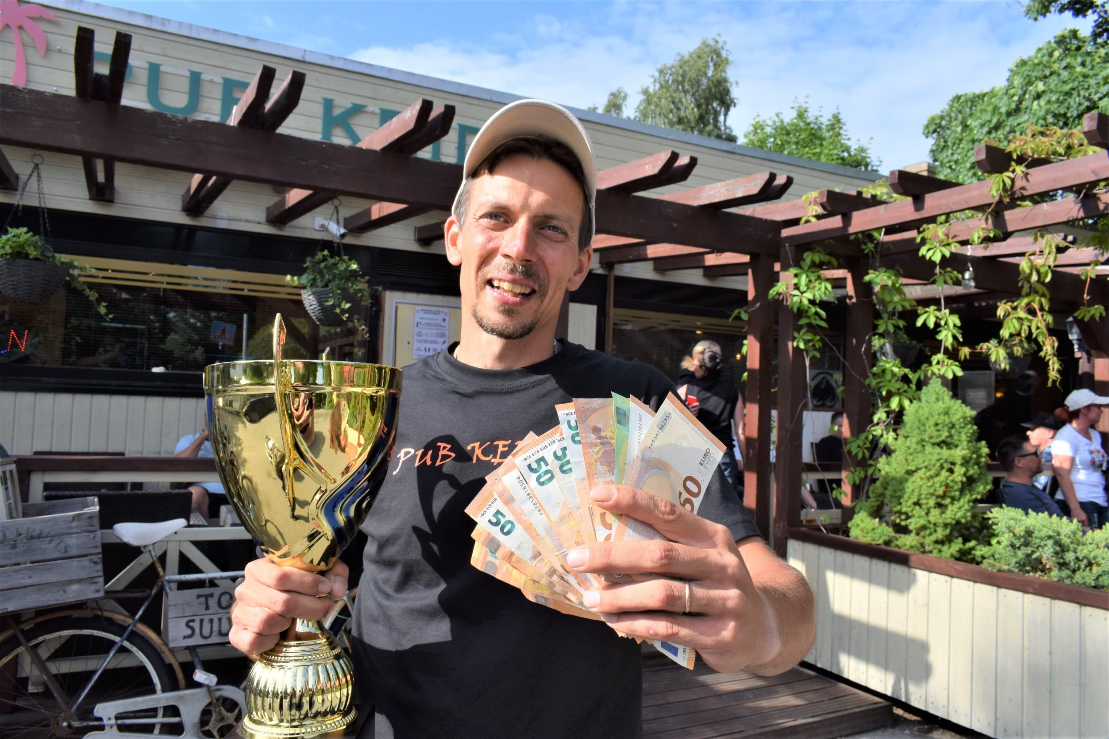 Rahan lisäksi voittaja sai suurimman pudottaja pokaalin ja tittelin.