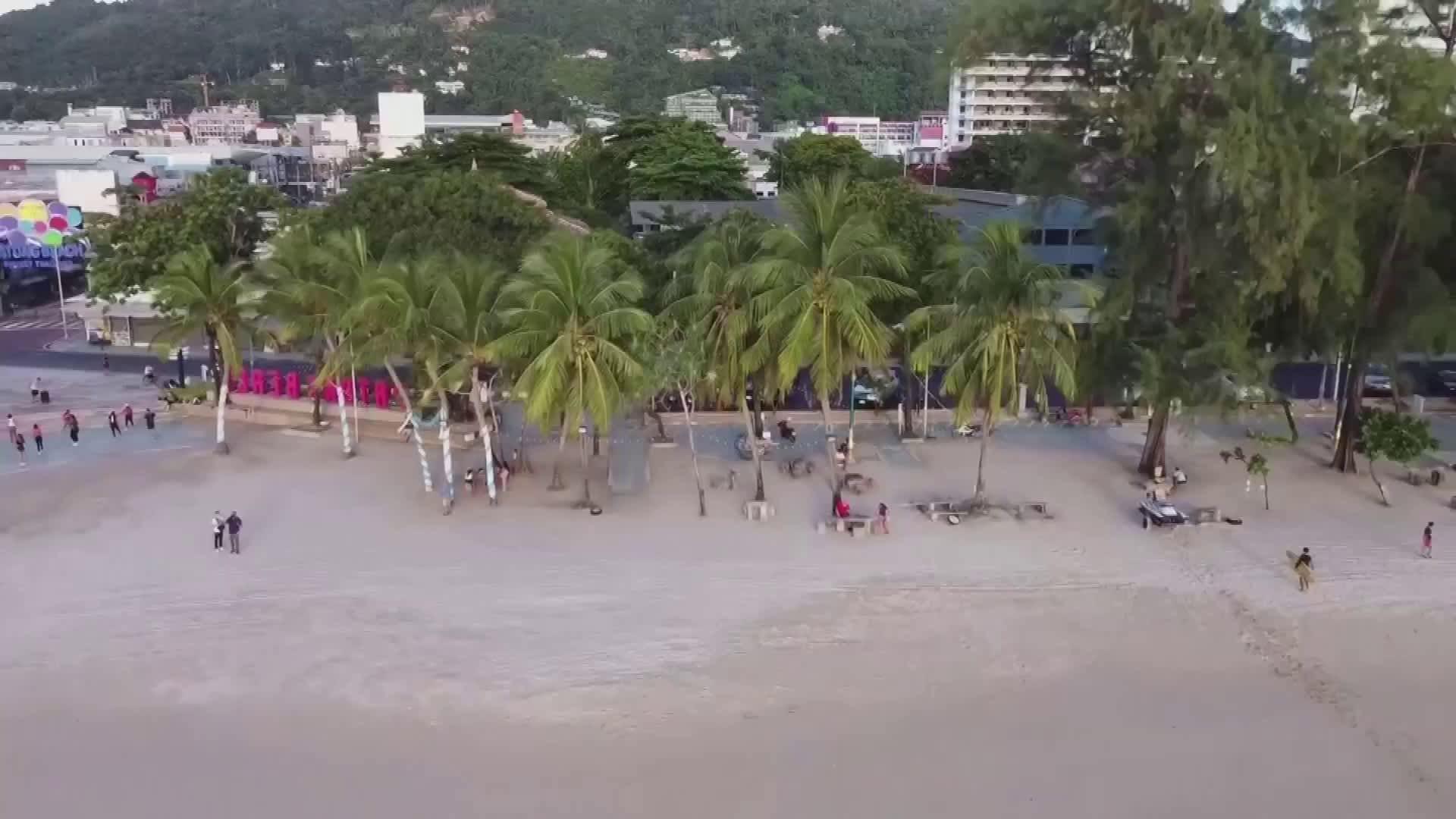 Phuket odottaa turisteja