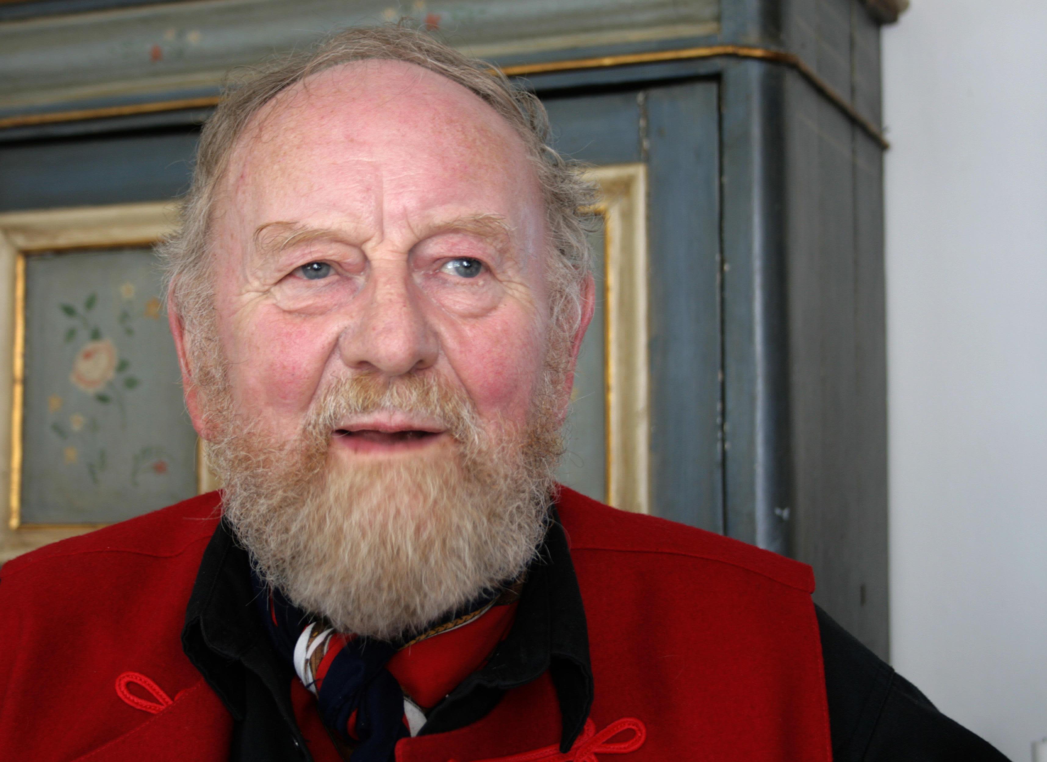 Kurt Westergaard kuvattuna kotonaan Tanskan Vibyssä vuonna 2015.