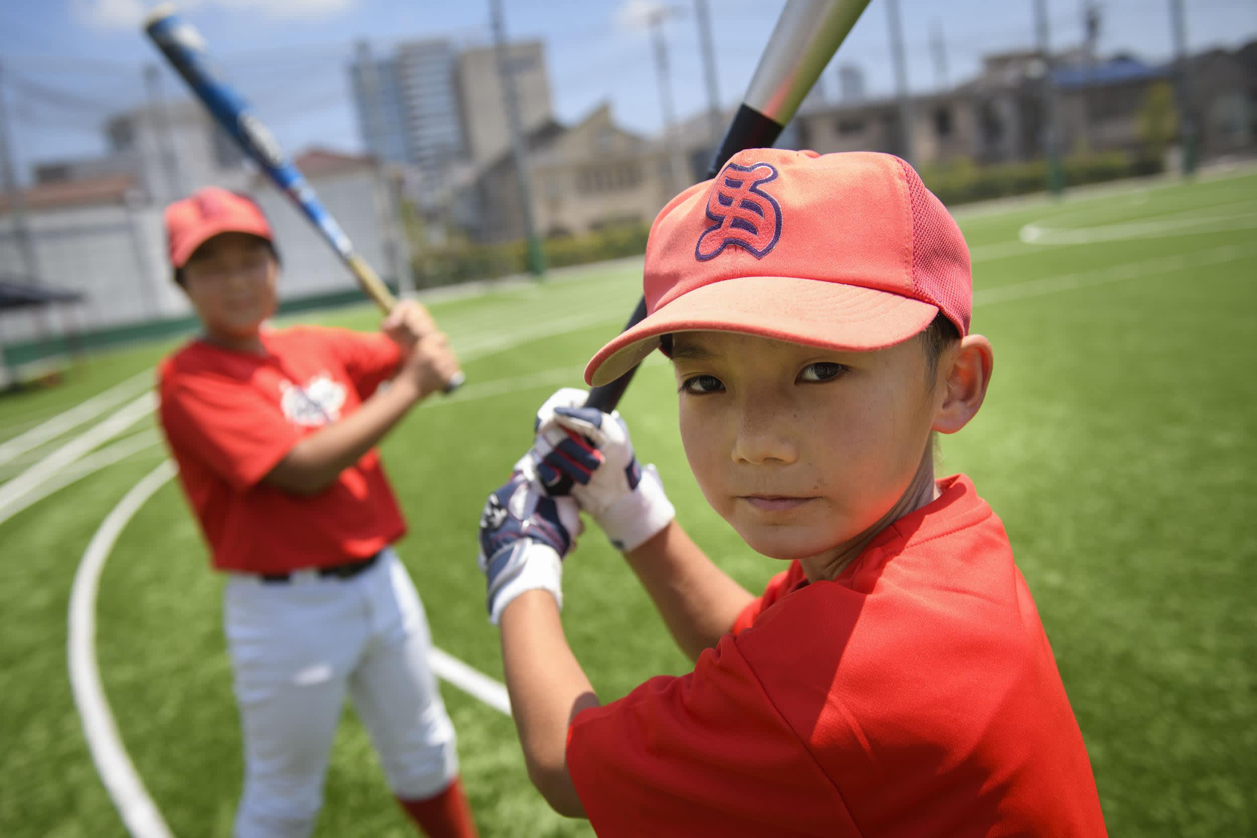 Baseball on Japanin suosituin laji. Sugijyu Fightersin pelaajat sanovat, että toveruus on tärkeää.