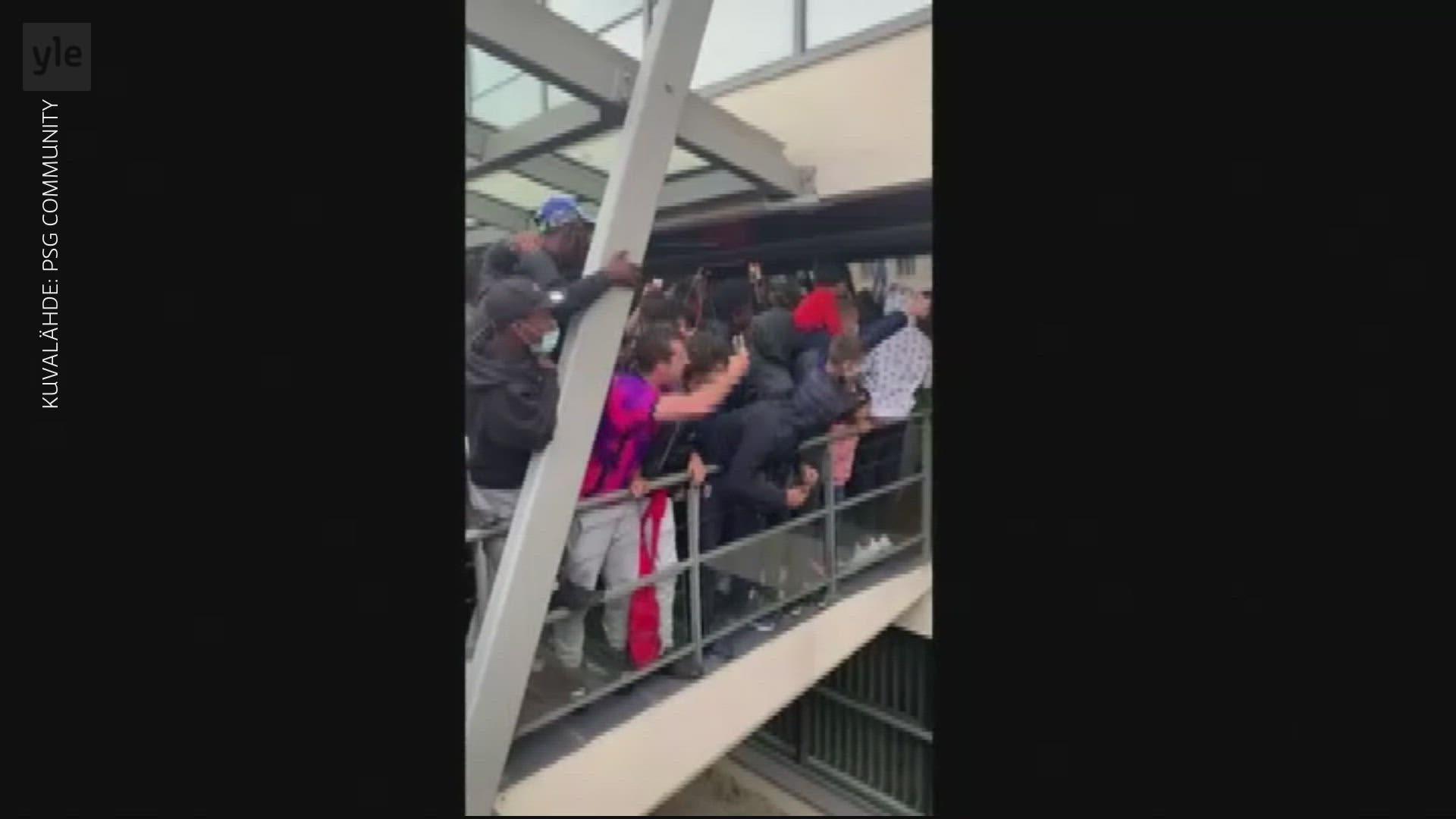 PSG:n fanit odottivat Lionel Messiä lentokentälle