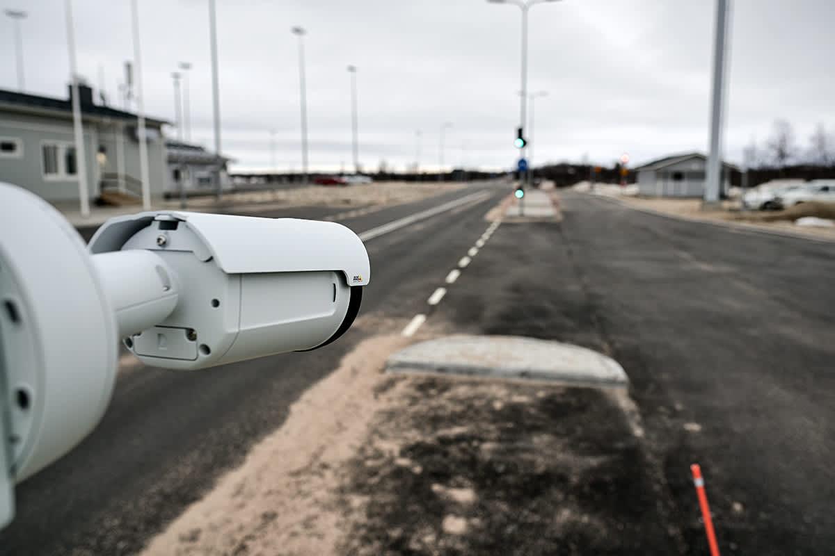 Tulli pilotoi automatisitua rajanylitystä Kivilompolossa osana CaaS-pilottia.