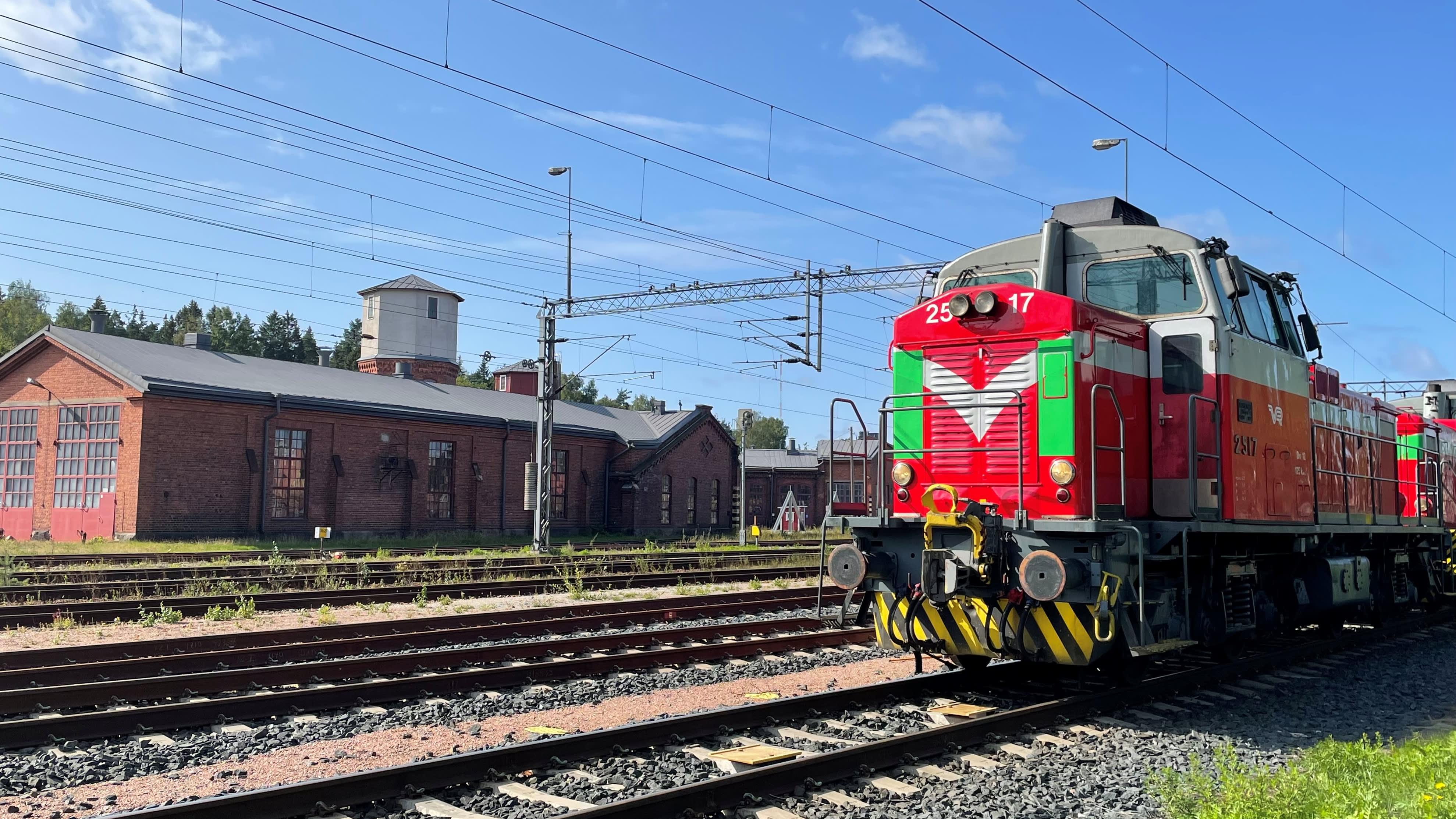 Hangon ja Hyvinkään välisen junaradan sähköistäminen alkaa