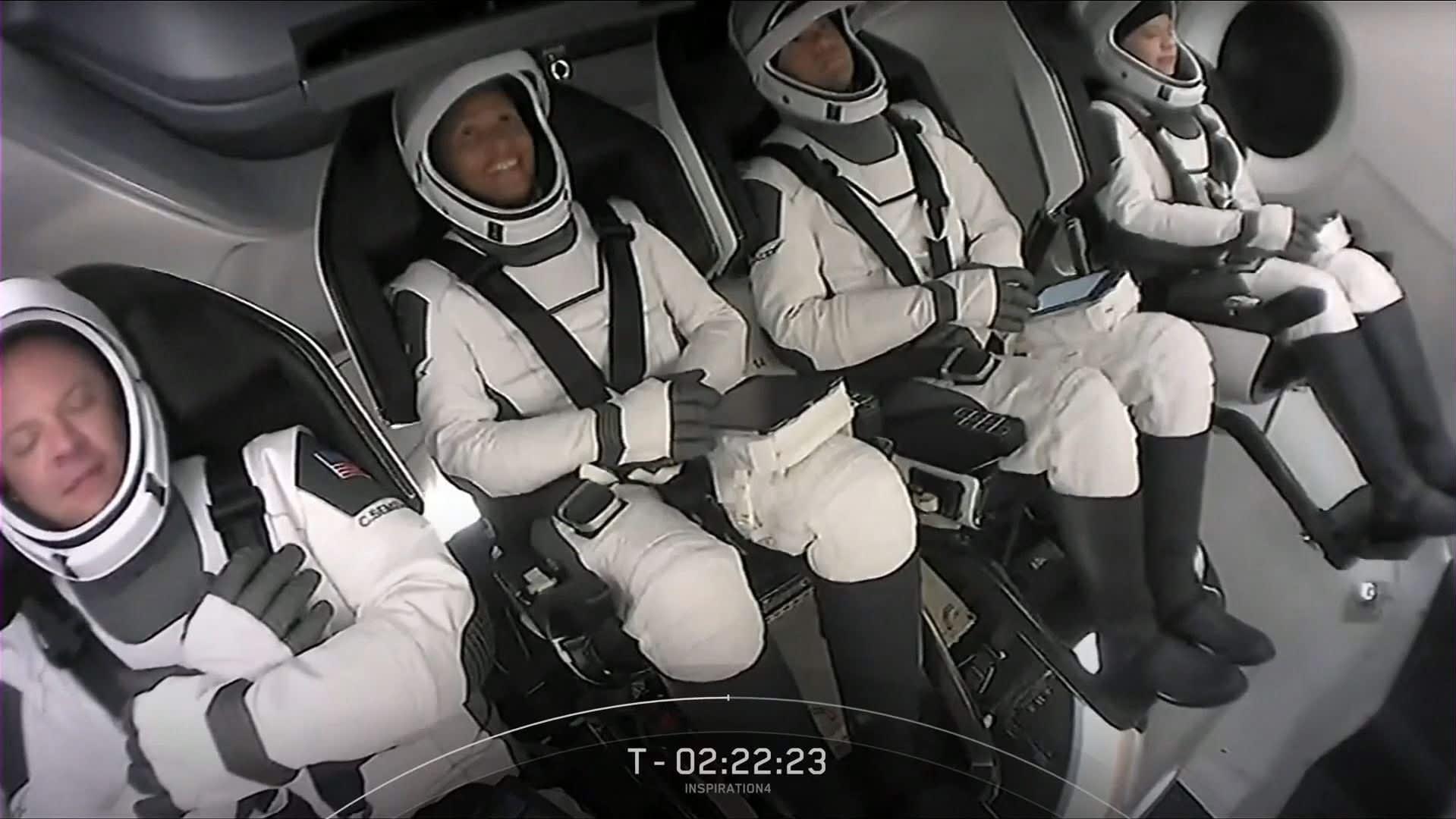 Ensimmäiset avaruusturistit pääsivät kiertoradalle