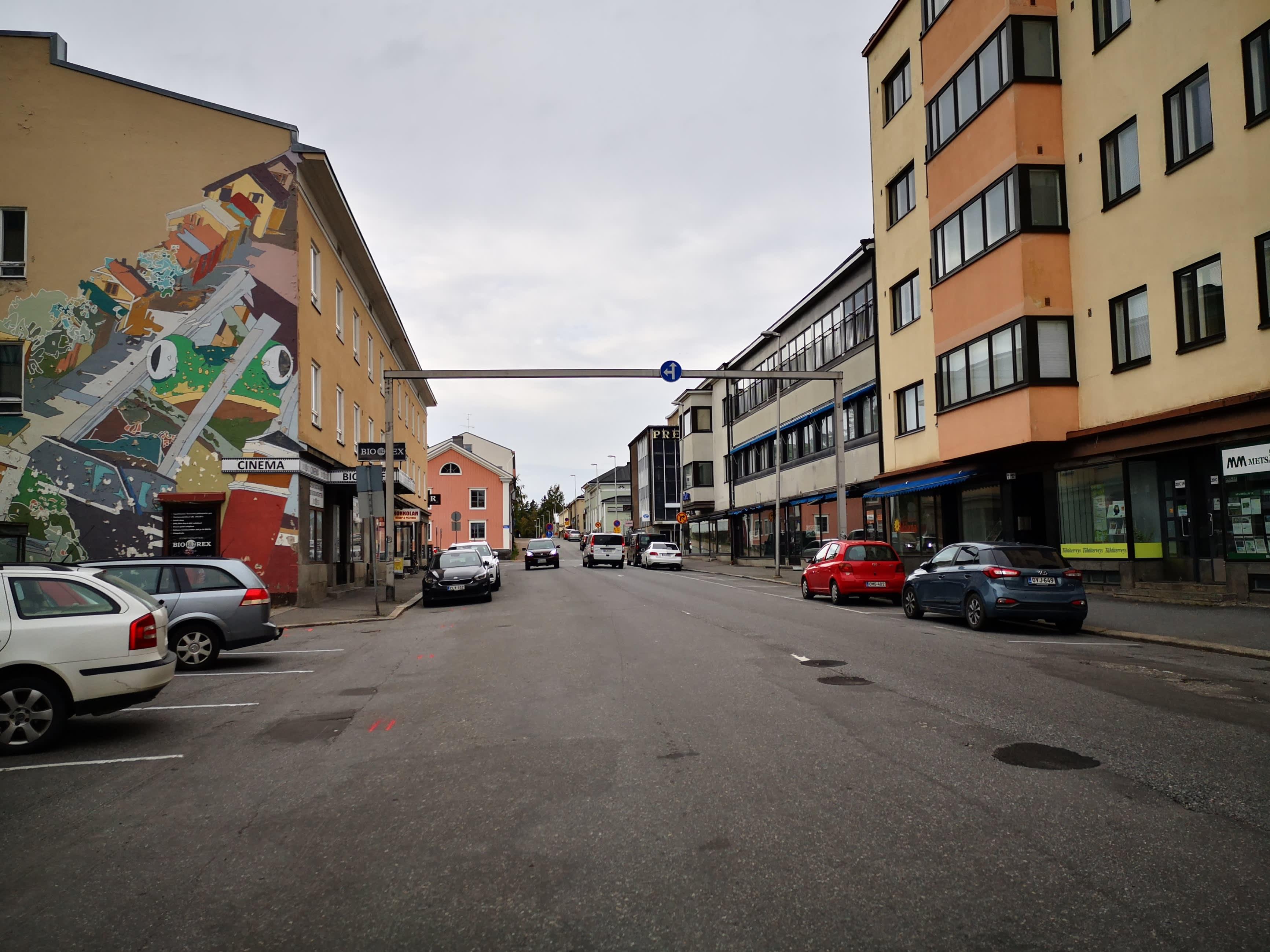 Kuva Pitkäsillankadulta kohti Donnerin taloa.