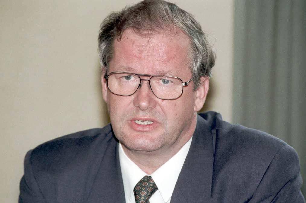 Matti Puhakka vuonna 1995 hänen tultuaan valituksi SDP:n eduskuntaryhmän puheenjohtajaksi.