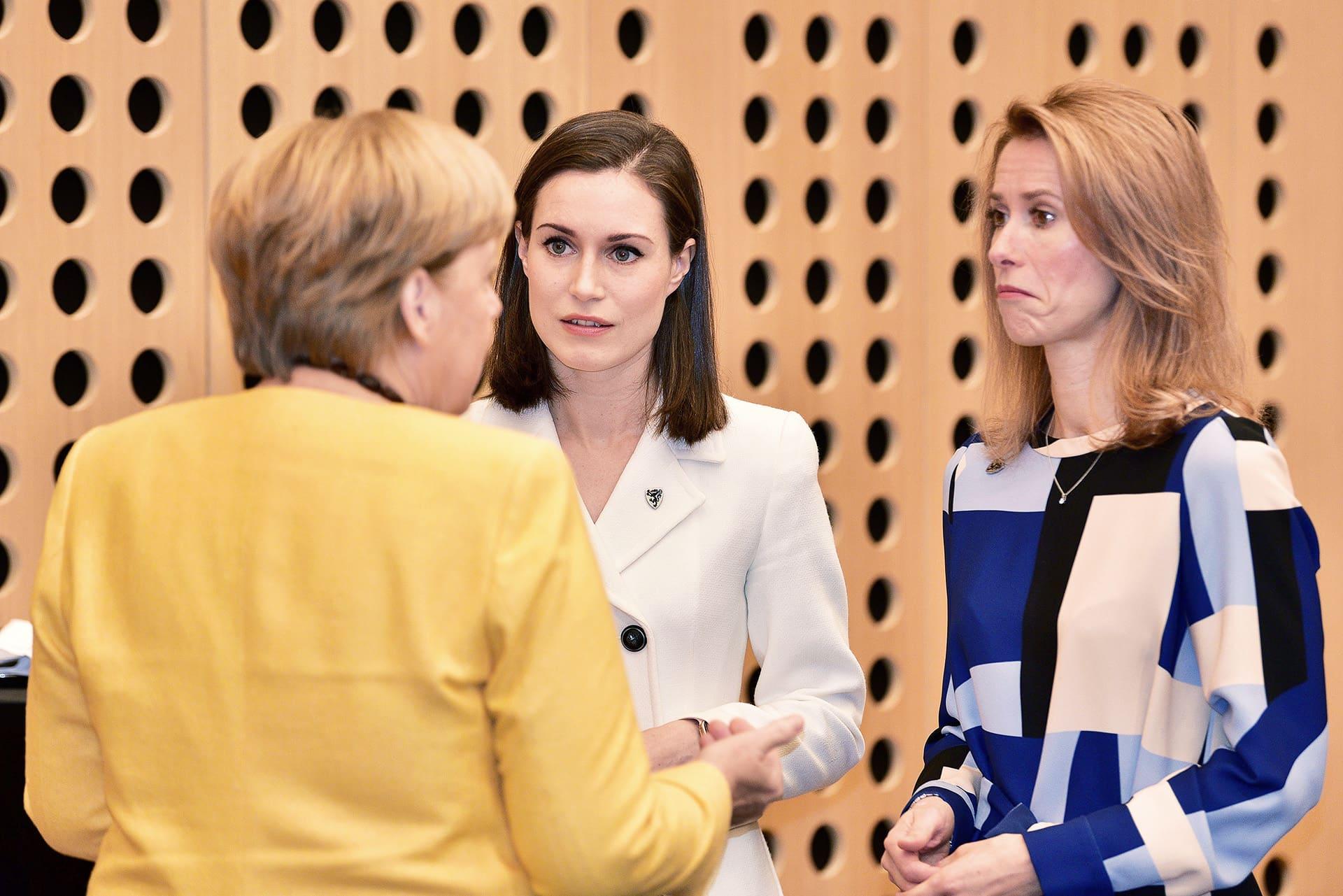 Liittokansleri Agela Merkel ja pääministerit Sanna Marin ja Kaja Kallas keskusteleivat Länsi-Balkanin huippukokouksessa Slovenian Kranjissa.