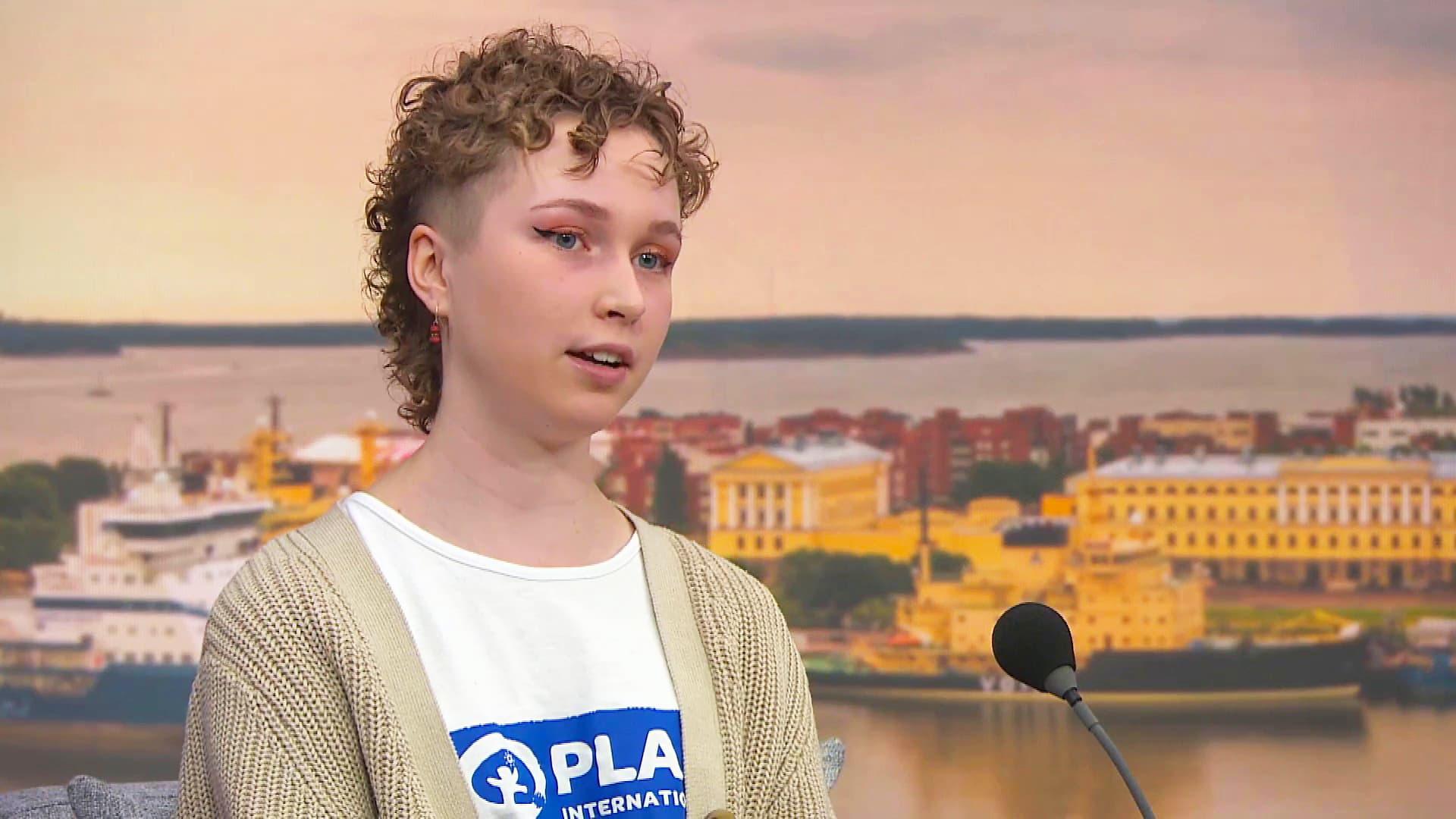 Ylen 17-vuotias päätoimittaja: Suomessa tyttöjen asiat ovat verrattain hyvin, mutta asenteissa voi piillä vähättelyä