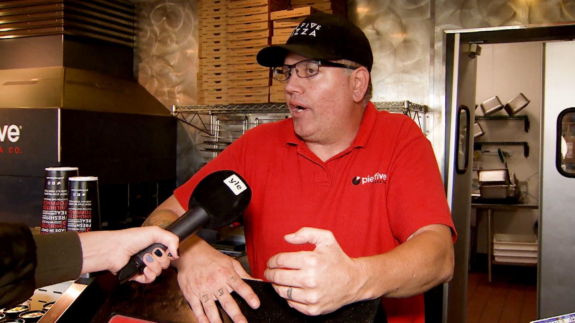 Mikset ryhtyisi yrittäjäksi ja tienaisi rahaa itsellesi, kysyy iowalainen pizzayrittäjä Steve Roberts.
