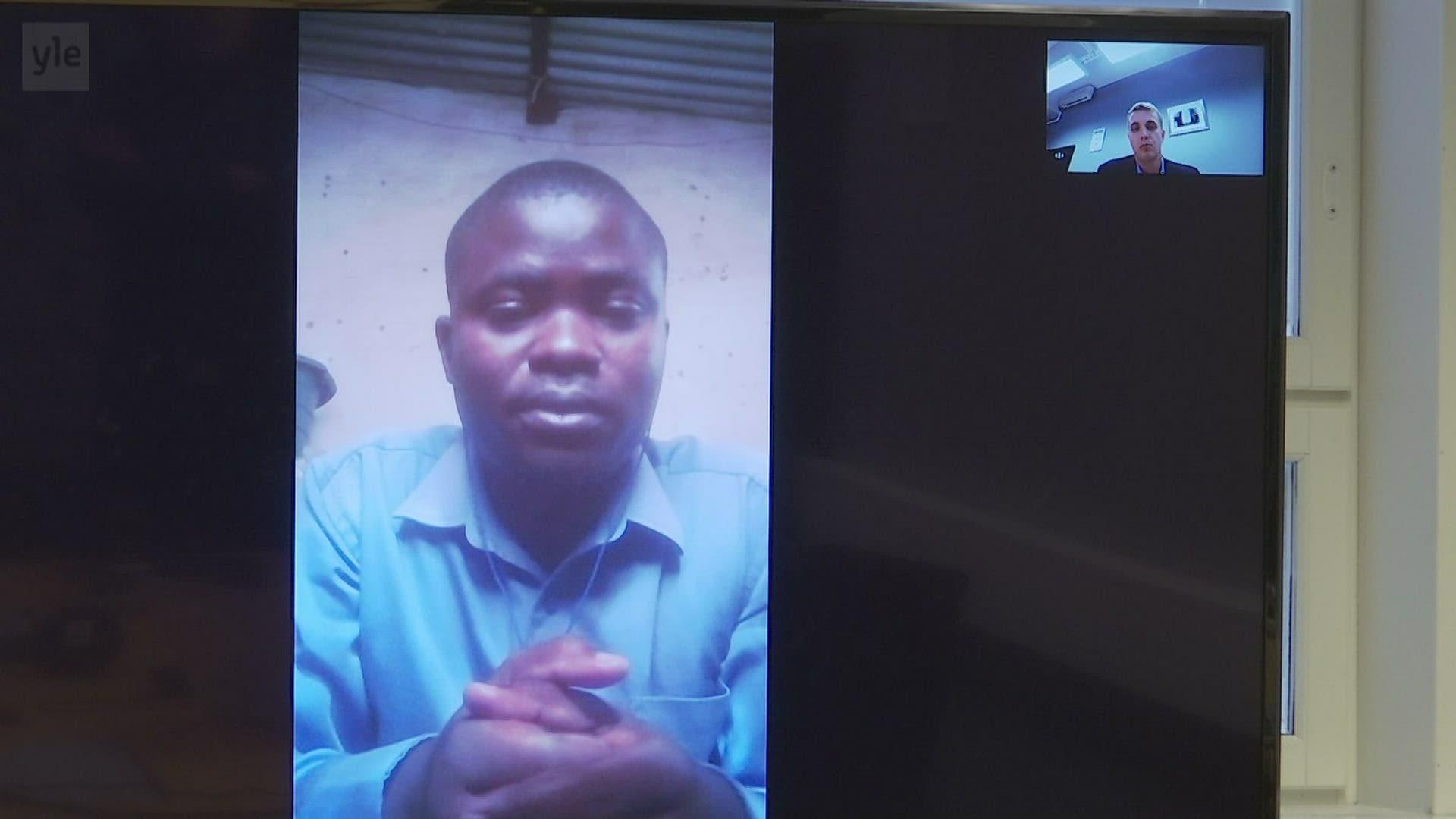 Otimme yhteyden lieden avulla afrikkalaiseen pikkukylään