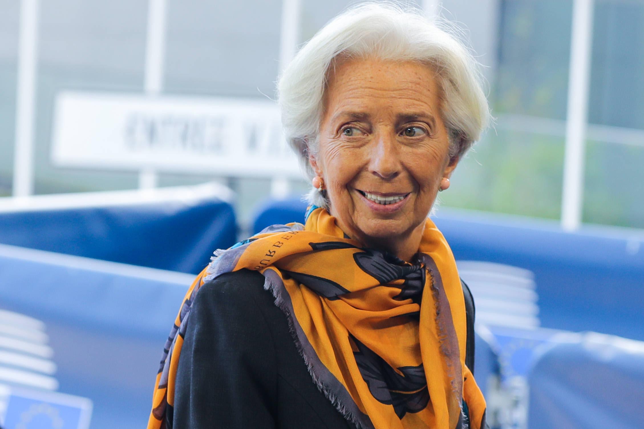 Christine Lagarde hymyilee Luxemburgissa euroryhmän kokouksessa.