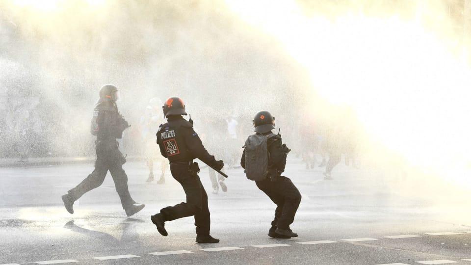 Polis skot varningsskott vid ran