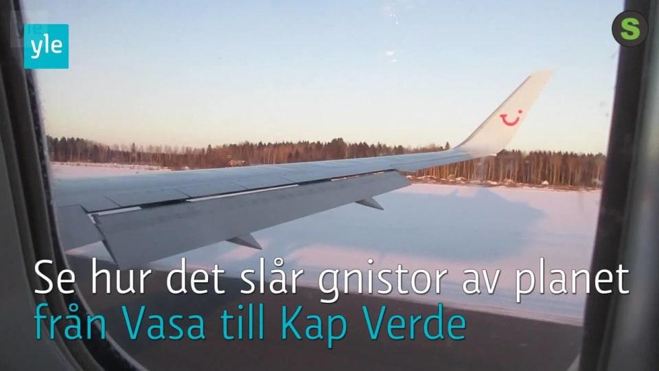 Trasig motor tvingade charterplan att landa