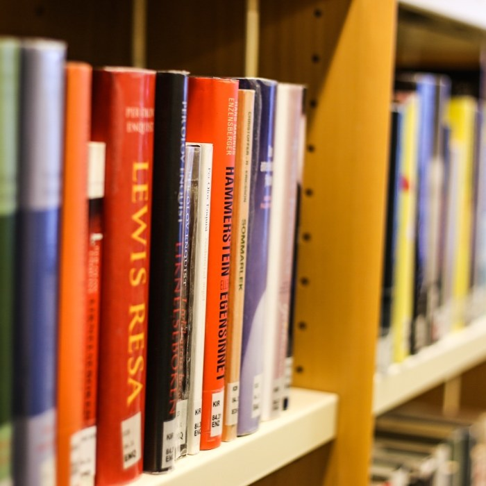 Fp protest mot privata bibliotek
