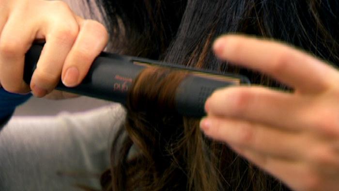 Hiusten suoristusraudat testissä  pituus ja paino pitää olla käteen  sopivassa suhteessa  18839300de