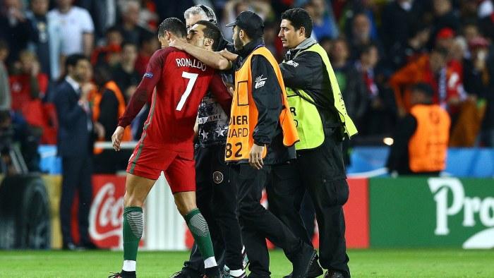 Ronaldo bakom ny malfest