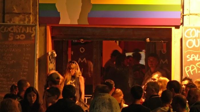 lesbo seksiä Bar