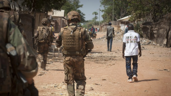 Frankrike avvisar snabbt fn beslut om irak