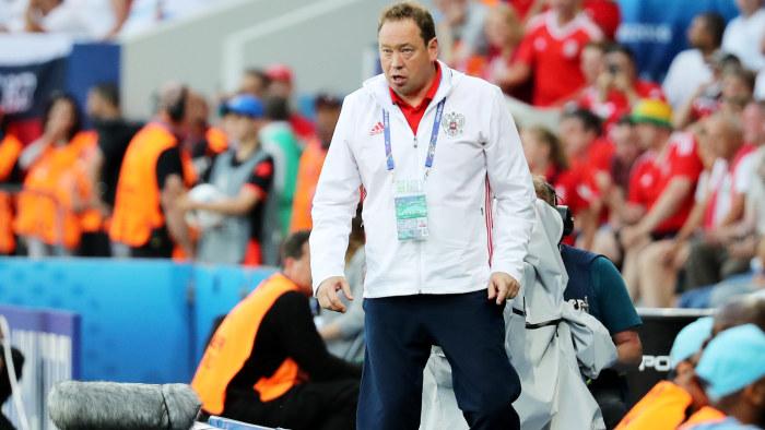 Hodgson ber om ursakt till supportrar