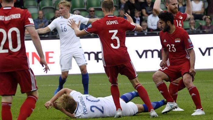 Rooney angrar beslut