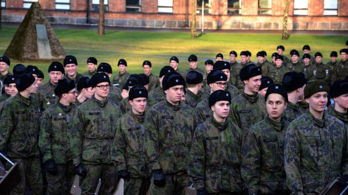 Finske forsvarsministern i bostadsharva
