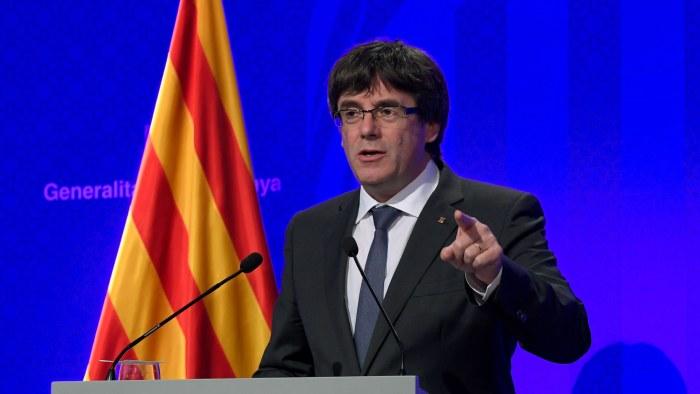 Rajoy manar katalaner till lugn