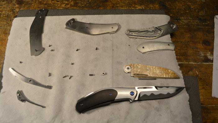 Familjer slogs med knivar