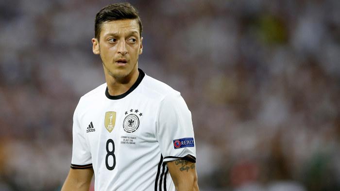Tyska fotbollsforbundets ordforande avgar