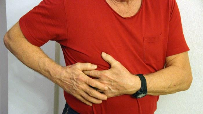 ont i bröstet inandning