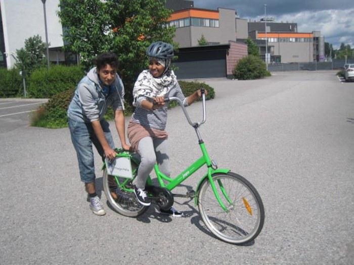 Nu ska poliserna lara sig cykla