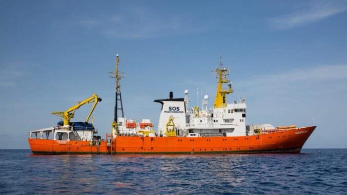 Kraftiga strider vid libysk oljehamn