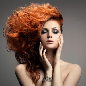 Satoja prosentteja tuuheammat hiukset.