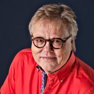 Vuoden 2016 tangolaulukilpailun tuomari Esa Nieminen.
