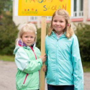 Elever i Hangöby skola.